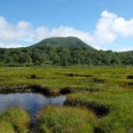 チセヌプリと神仙沼池塘