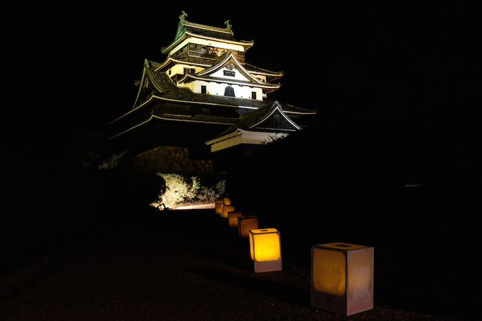 ライトアップ松江城